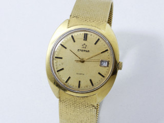 Eterna, montre en or